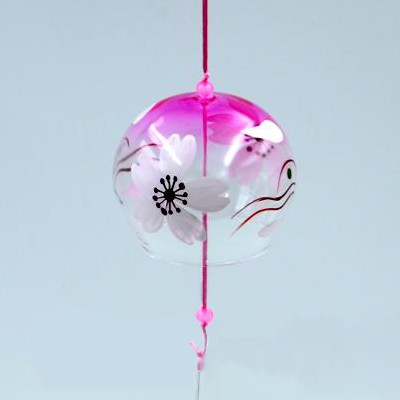 Фурин Ветряной колокольчик (furin)  из стекла розовый с белым цветком. Маленький: диаметр - 8см.