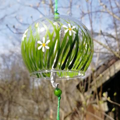 Фурин малый с  рисунком - зеленая травка и белые ромашки.